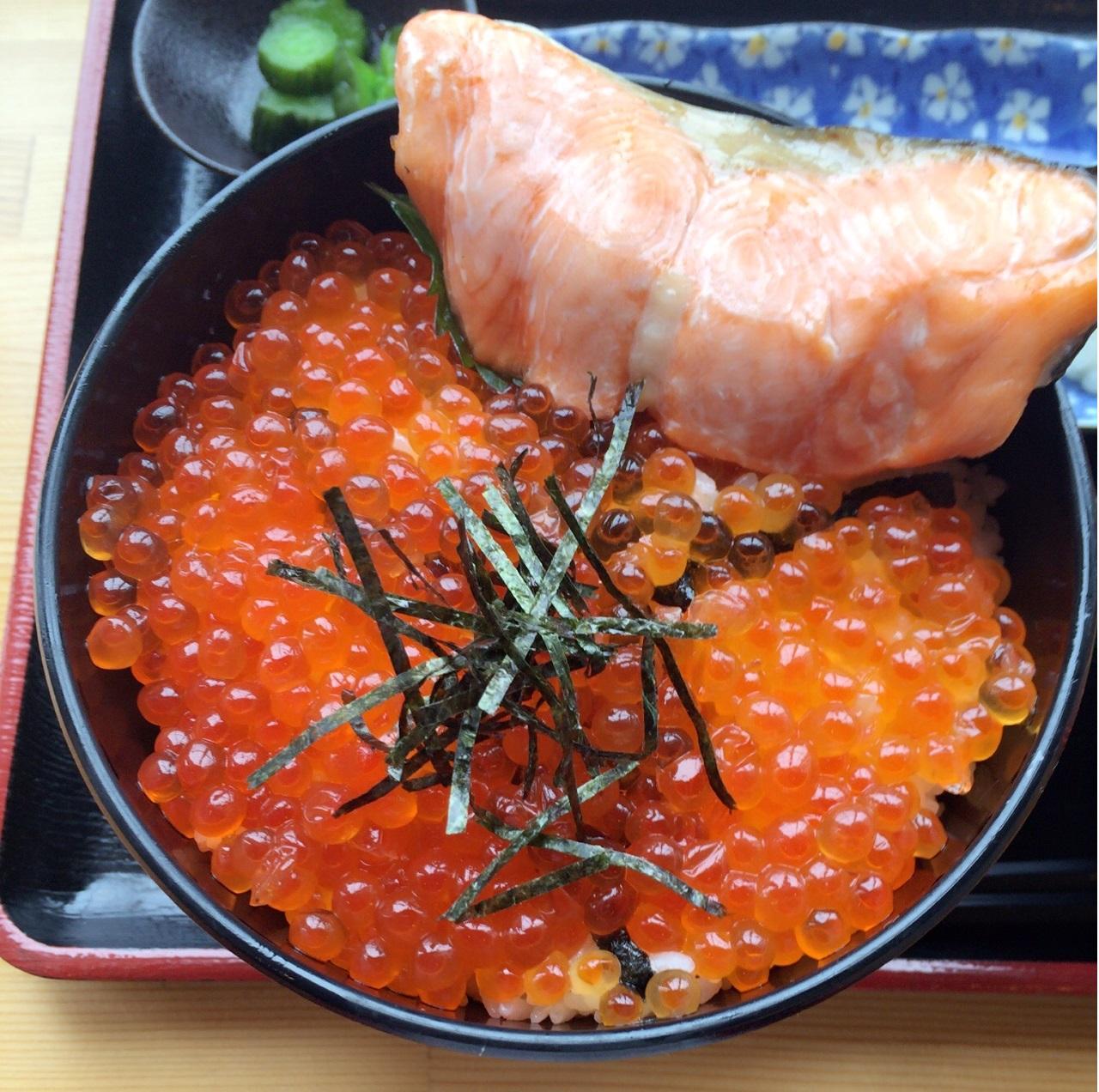 鮭いくら親子丼.JPG